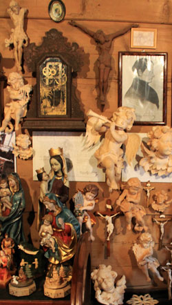 wooden carvings poland