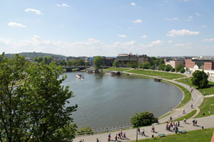 cracow youth hostels and river vistula